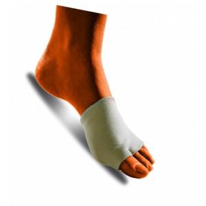 Si posiziona facilmente e si adatta ad ogni tipo di calzatura. Per indossarlo basta infilare il primo dito nel foro più piccolo e posizionare la fascia con il cuscinetto in gel sotto il piede.