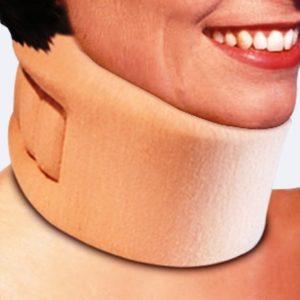 Realizzati in gommapiuma e rivestiti in maglina elasticizzata i n cotone, i collari morbidi , sono leggeri e confortevoli.