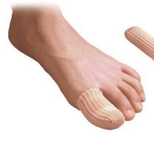 Per indossare la guaina digitale, si raccomanda di trazionare orizzontalmente l'articolo in modo da allargarlo e facilitarne l'applicazione sulle dita. Nel togliere la guaina, sfilarla arrotolandola su se stessa.