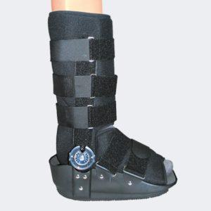 -Post operatorio del tendine di Achille -Fratture stabili dei 2/3 distali di tibia o perone -Fratture di piede o caviglia -Supporto post operatorio o conservativo nelle gravi distorsioni di caviglia